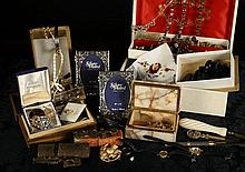 A Collection of Miscellaneous Costume Jewellery