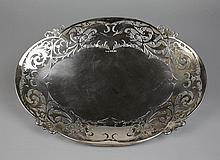 A Pretty Walker & Hall Silver Dish of oval