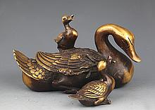 A FINELY CARVED GOOSE LIKE BRONZE DECORATION