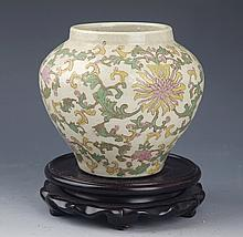 A FINELY FLOWER PAINTED PORCELAIN JAR