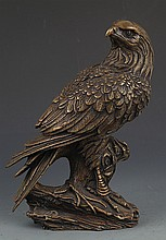 AN EAGLE FIGURE BRONZE DECORATION