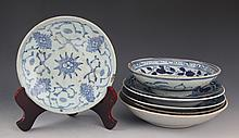 A GROUP OF FINE BLUE AND WHITE PORCELAIN PLATE