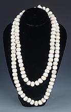 A WHITE TRIDACNA NECKLACE (108 Pcs)