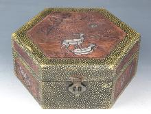 A FINE WOOD AND BRONZE FINELY CARVED JEWELRY BOX