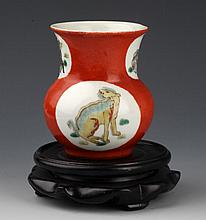 A FINELY PAINTED PORCELAIN JAR