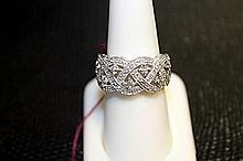 Lady's 18K White Gold Diamond Ring(8)