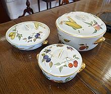 3 Royal Worcester Evesham graduated tureens