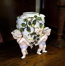Victorian Sitzendorf 3 cherub vase