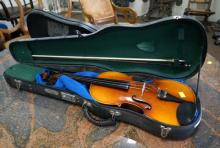 Skylark cased violin