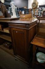C19th French oak cupboard