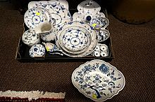Collection Royal Copenhagen & other blue & white china