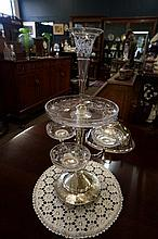 Vic EP fine quality etched glass centrepiece epergne