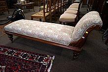 Vic small cedar chaise lounge