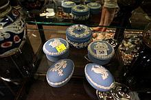 Collection Wedgwood jasperware trinket boxes