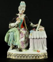 19TH CENT, ANTIQUE MEISSEN LADY SITTING AT HER VANITY
