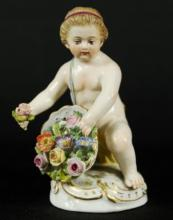 19TH CENTURY MEISSEN PORCELAIN FIGURE