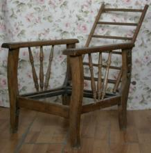 Arts and Craft early 1900's CHILD size Morris chair with foldable/adjustable back