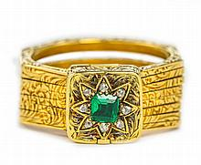 AN ANTIQUE GOLD, DIAMOND AND EMERALD RING