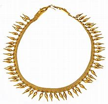 A 19TH CENTURY ETRUSCAN GOLD NECKLACE
