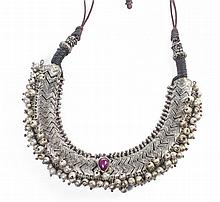 A 19TH CENTURY ISLAMIC HAND CRAFTED SILVER GEM SET NECKLACE