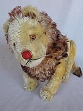 F/jointed 50s Steiff Lion on fours, 21cm tall x 33cm lg. Shaved gold mohair