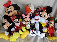 Big box Disney / Warner Bros soft toys inc:-