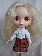 Centre part blonde 1972 Kenner 'Blythe' doll