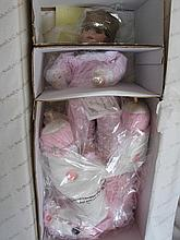 Two boxed porcelain Dolls:- Ashton Drake 'Tweety & Me' LE L/Tunes' 33cm, CO