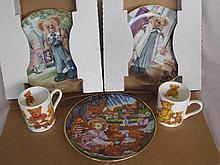 Mixed bears:- Three 1990s LE Bear plates. Two bear mugs, six boxed resin fi