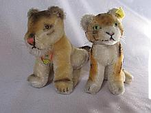 Two Steiff 50s Animal Cubs, 10cm seated miniatures:- Lea Lioness with chest