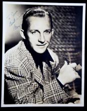 SIGNED 8X10 B&W PHOTOGRAPH OF BING CROSBY