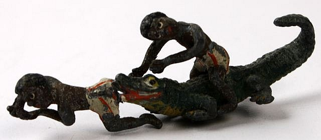 BLACK STEREOTYPE LEAD FIGURINE BOYS & ALLIGATOR