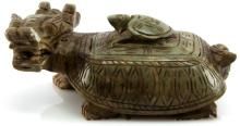 GREEN SOAPSTONE DRAGON TRINKT TRAY WITH LID