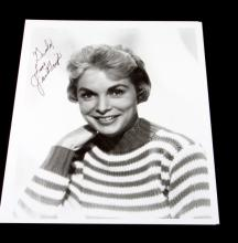 AUTOGRAPHED PHOTOGRAPH OF JANET LEIGH