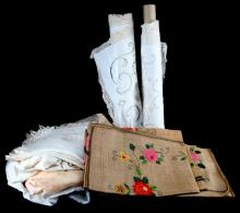LARGE LOT OF ASSORTED TABLE LINENS DUPONT ESTATE