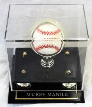 MICKEY MANTLE SIGNED BASEBALL IN PRESENTATION CASE