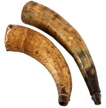 GROUPING OF TWO CIVIL WAR ANTIQUE POWDER HORNS