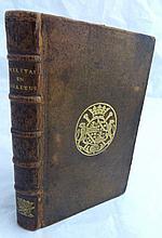 CREDEN (M. de). Le Militaire en solitude, ou le Philosophe chrétien. La Haye, Pierre de Hondt, 1736. 2 tomes en un volume in-12, veau brun, armoiries au centre, dos orné de motifs à froid et d'un motif doré en queue figurant deux bâtons de prévôt