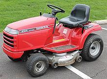 Honda Lawn Tractor, Model 4514 Hydrostatic, 38