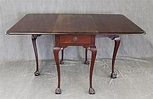 Drop-leaf Breakfast Table, Mahogany, Single Drawer with Cabriole Legs on Ball and Claw Feet, 31