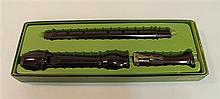 Baroque tenor recorder by Dolmetsch, plastic; condition: fair; straight windway; single F-key; in fitted Dolmetsch box