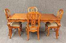 5 Piece French Country Dinette Set with One Extention Leaf, Pine, Good Condition, (1) Table 30