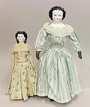 PAIR OF UNMARKED ANTIQUE CHINA 1860's-70's SHOULDER HEAD DOLLS: 14