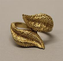 14K Yellow Gold, Cross-Over Leaf Ring