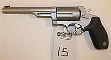 Taurus M4510 The Judge double action revolver. Cal. 45 Long Colt/.410 ga. 6-1/2