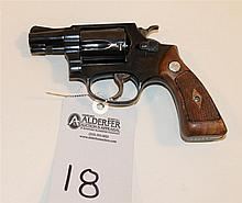 Smith & Wesson Model 36 Chief Special double action revolver. Cal. 38 Spcl. 2