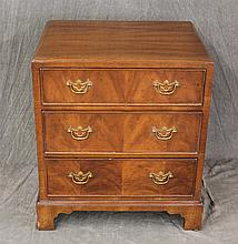 Henredon, Small Chest of Drawers, Walnut, Three Graduated Drawers on Shaped Bracket Feet, (Good Condition), 24 1/2