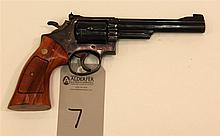 Smith & Wesson Model 19-3 double action revolver. Cal. 357 Mag. 6