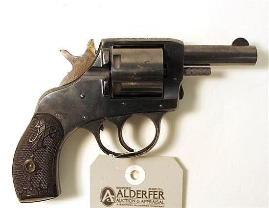 H&R Arms Co. Victor double action revolver. Cal. 32 S&W. 2-1/2