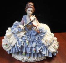 DRESDEN PORCELAIN SEATED LADY WITH LACE PLAYING VIOLIN